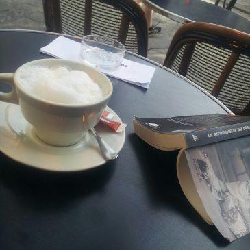 Les bonheurs simples – le café en terrasse
